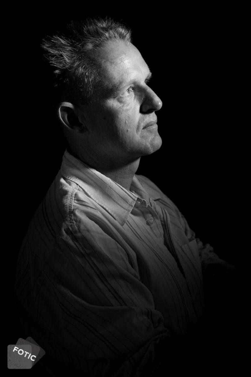 portretfoto Feite Hofman in zwartwit