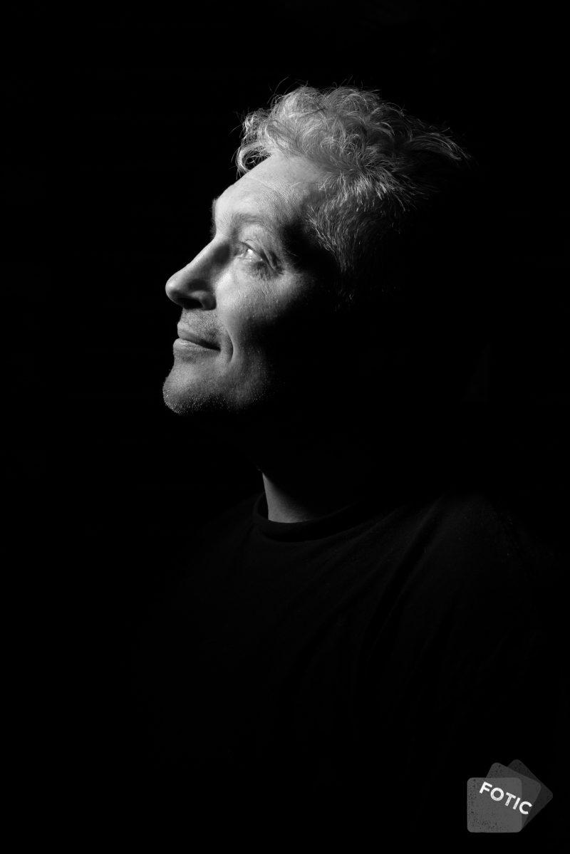 portretfoto Rob Floris zwartwit