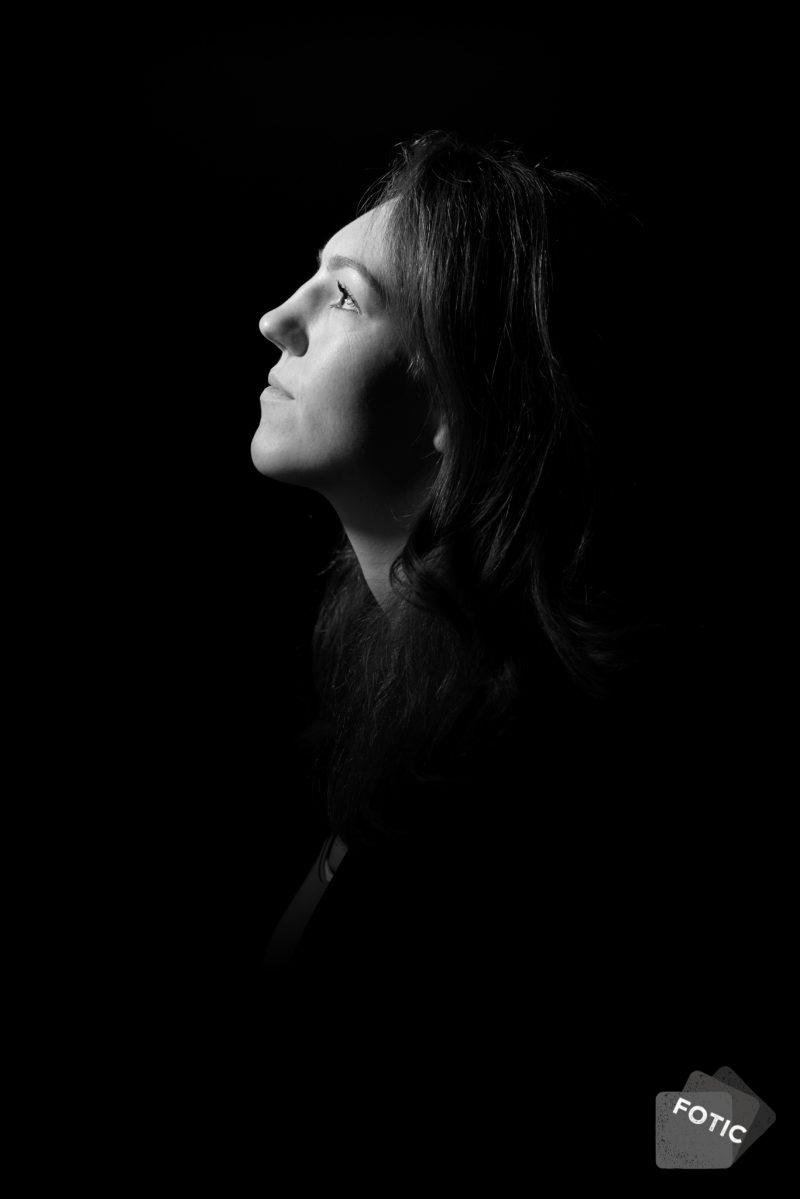 portretfoto Jeroen Willems zwartwit