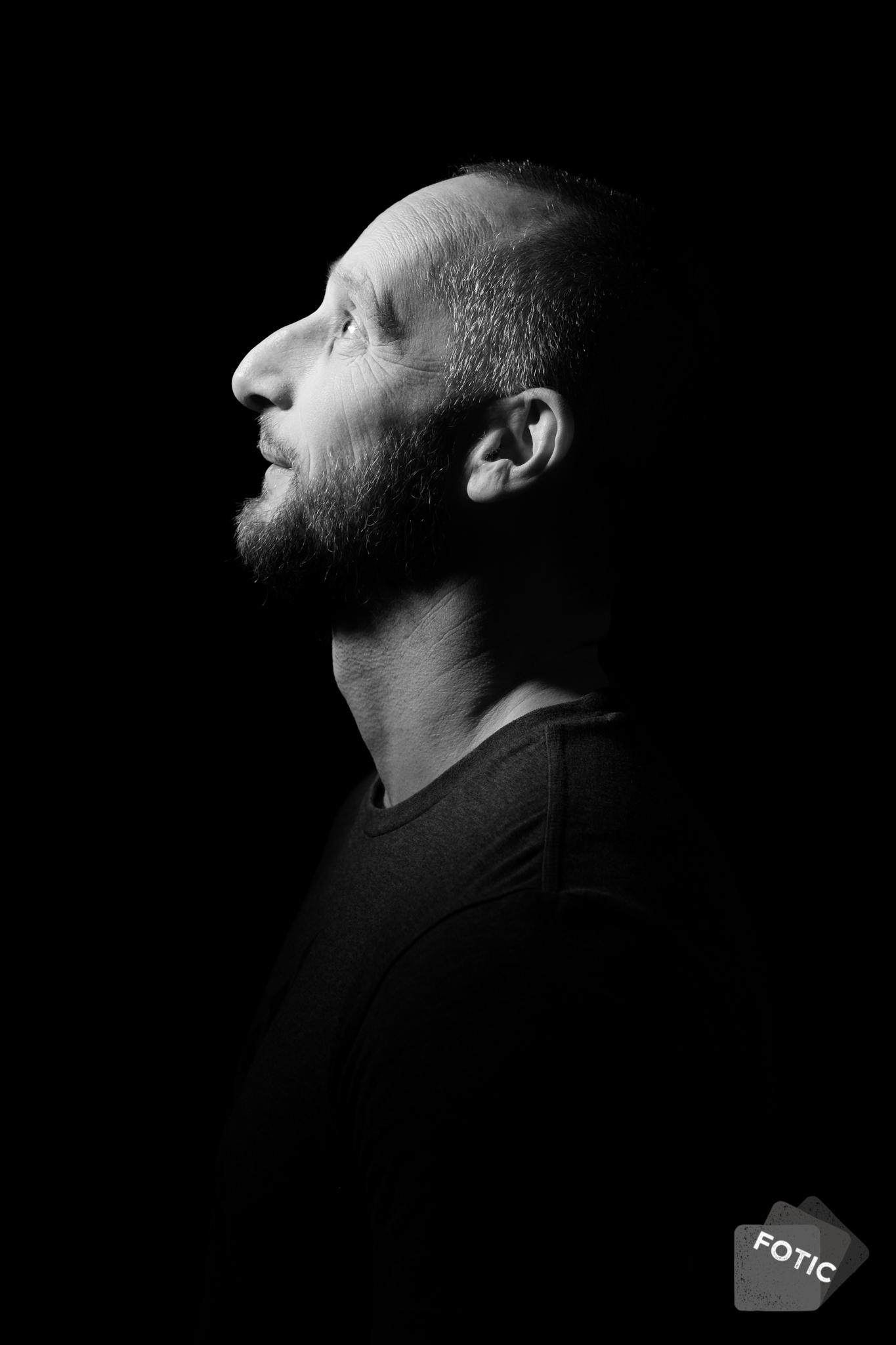 portretfoto Mark Leenders zwartwit